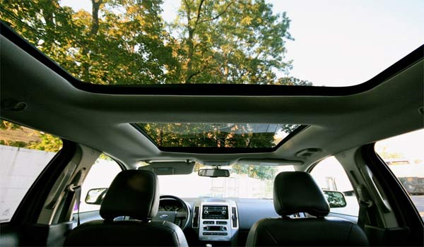 Ford-Edge-Panoramic-Sunroof